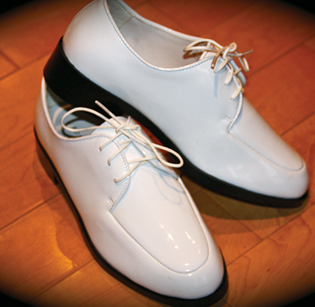 Lord West White Shoe